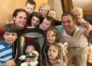 Un cuplu cu 12 băieţi speră că al 13-lea copil va fi fetiţă