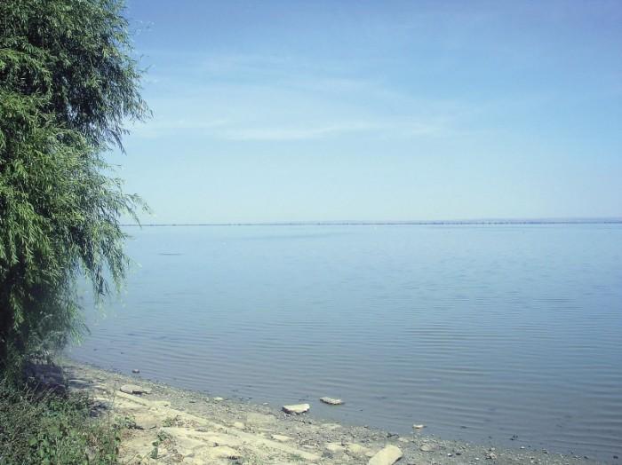 lacul-Brates