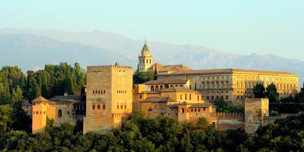 Alhambra şi alte monumente din Spania pot fi vizitate prin Street View