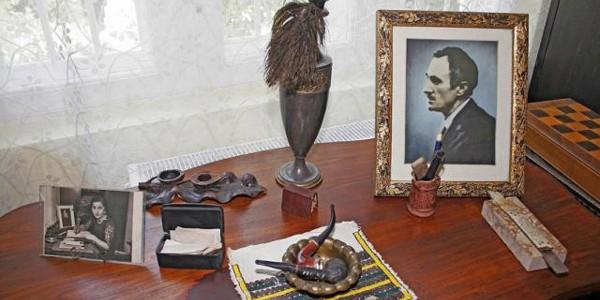 """BUCUREŞTI: Casa Memorială """"George şi Agatha Bacovia"""""""