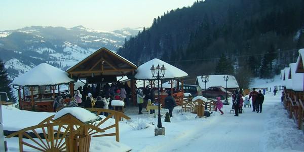 Turiştii aleg să-şi petreacă Crăciunul şi Revelionul în zonele specifice turismului rural