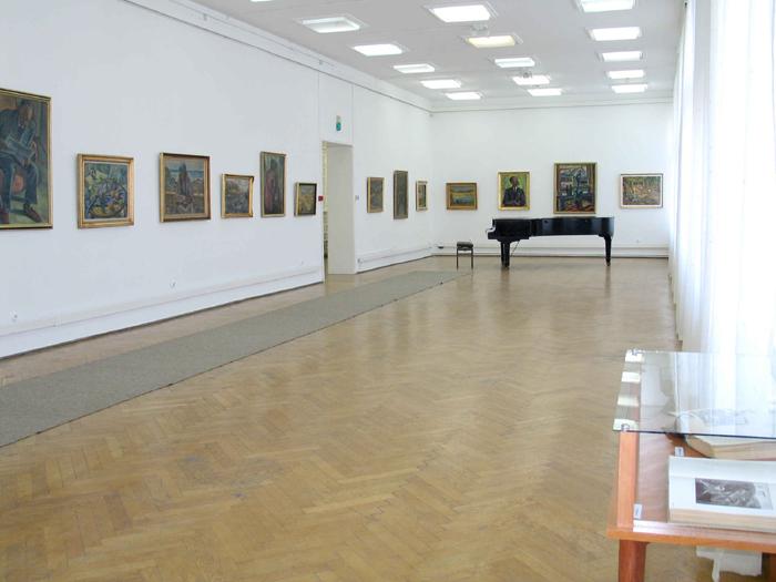 Muzeul-de-arta-Brasov1