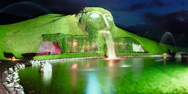 Muzeul Swarovski Crystal Worlds va fi redeschis în aprilie 2015