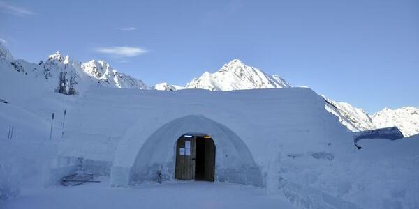 Revelion extrem la Bâlea Lac, în singurul hotel de gheaţă din Europa de Sud-Est
