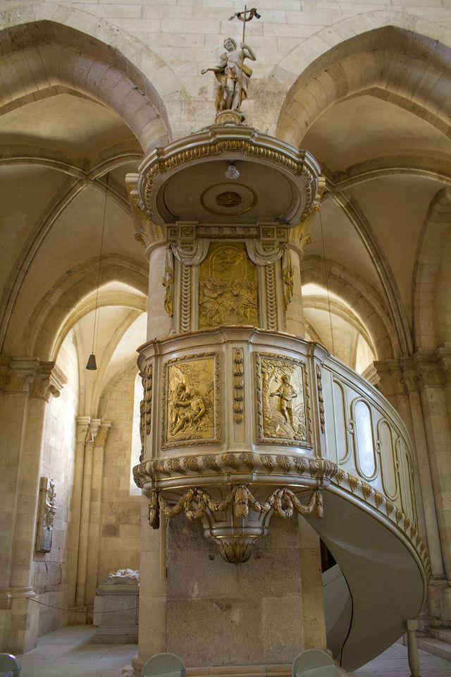 Catedrala-romano-catolica-Alba4