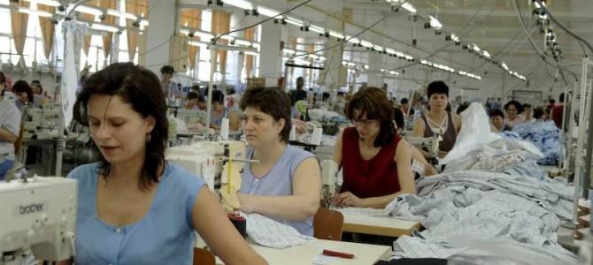 Fabricile de confecţii din Botoşani lucrează pentru cele mai mari case de modă internaţionale