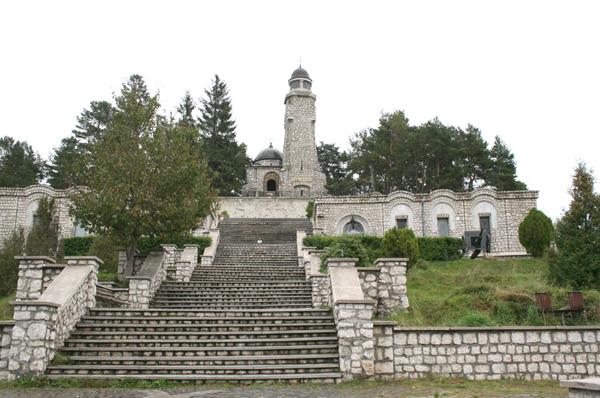 Mausoleu_mateias1