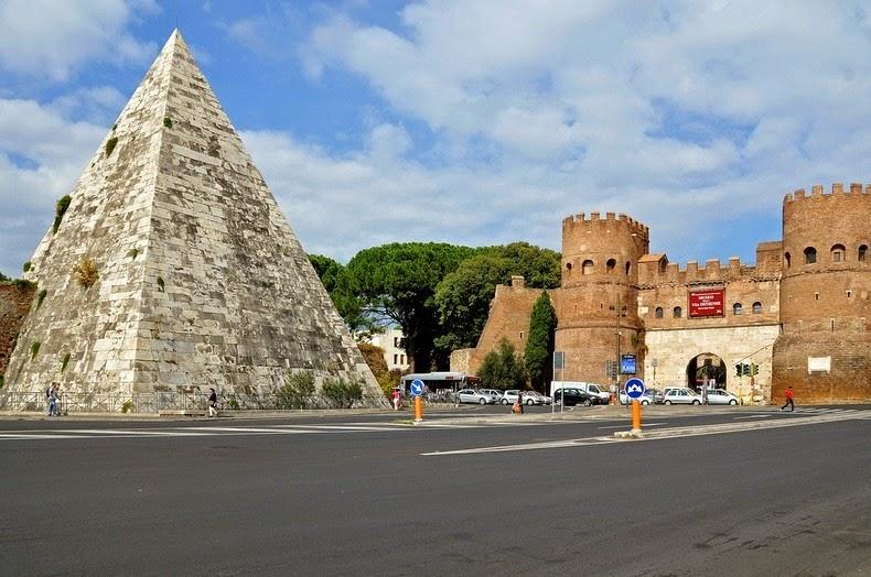 Piramida-Cestius2