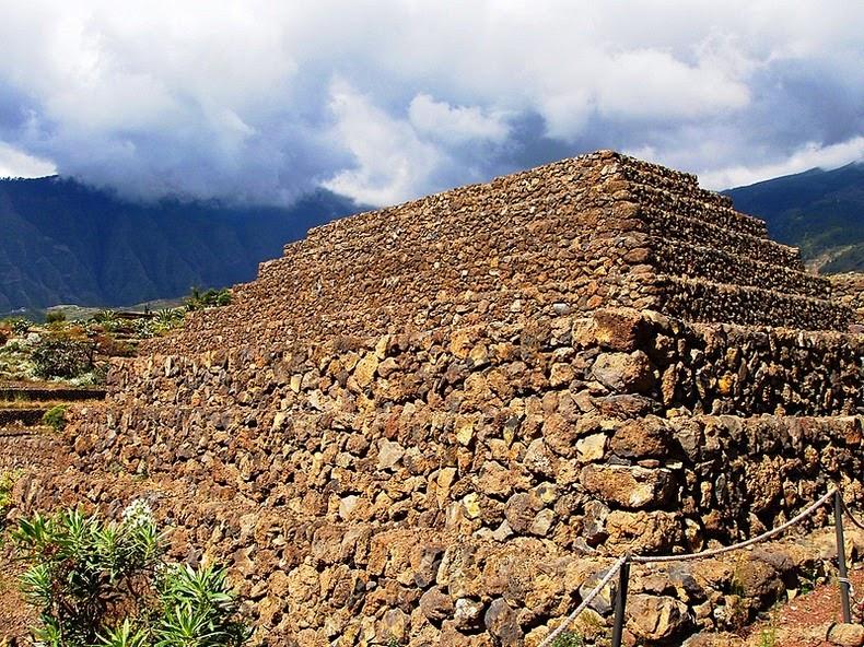 Piramide-Guimar1