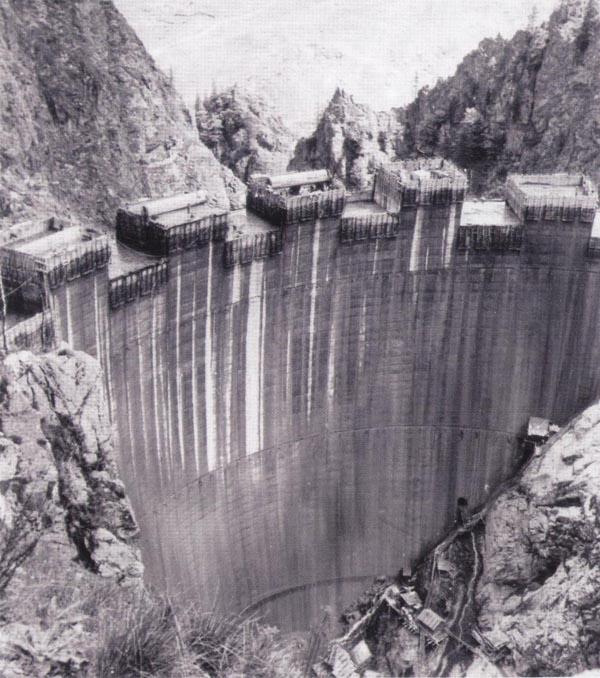 barajul-vidraru-1966