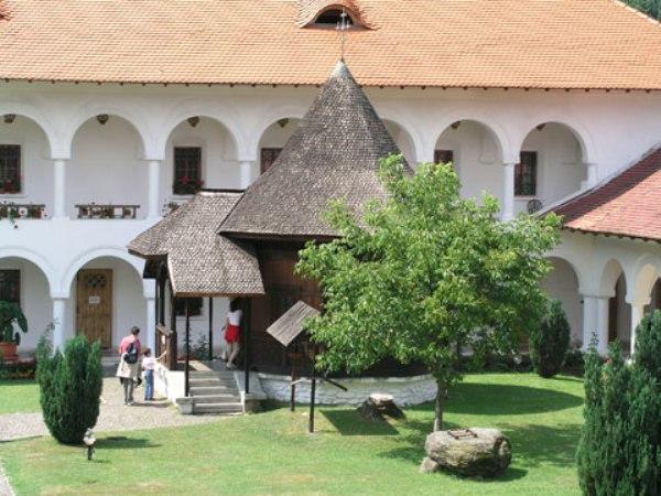 manastirea-brancoveanu6