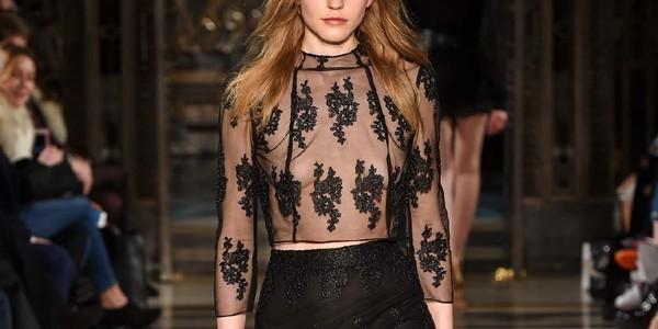 Negrul şi blănurile, printre tendinţele impuse la Fashion Week (galerie foto)