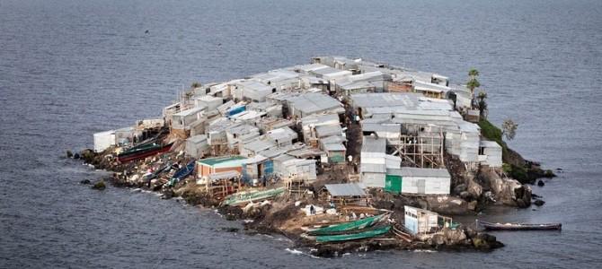 Înghesuială de pescari pe micuţa Insulă Migingo