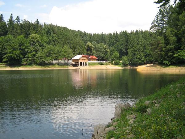 Lacul-Buhui-Anina