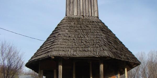 Biserica de lemn din Stoileşti, adusă pe ape din Maramureş până în Oltenia