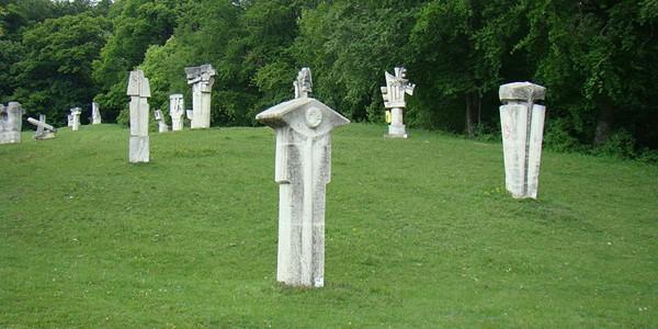 BUZĂU: Tabăra de la Măgura, un Barbizon al sculpturii româneşti