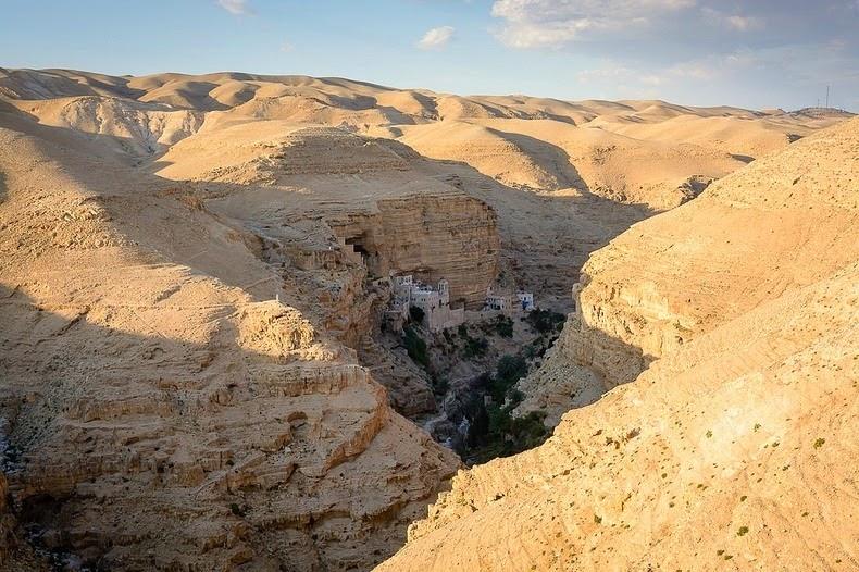 Wadi Qelt1