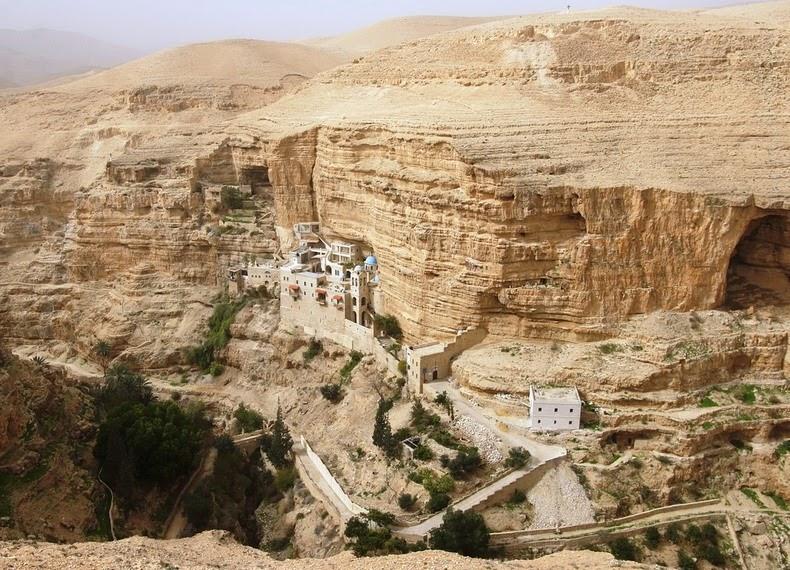 Wadi Qelt2