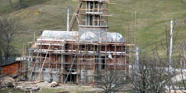 Schitul Berislăveşti va fi reabilitat şi va reintra în circuitul turistic monahal