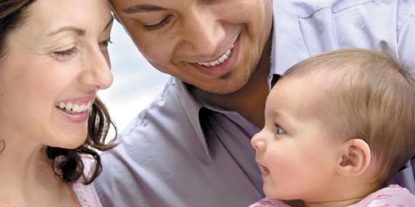 Prima naţiune care legalizează conceperea copiilor cu trei părinţi