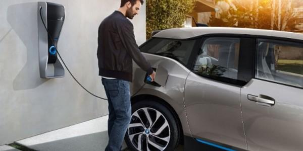 Japonia are mai multe puncte de încărcare a automobilelor electrice decât benzinării