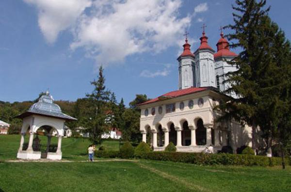 manastirea-ciolanu3