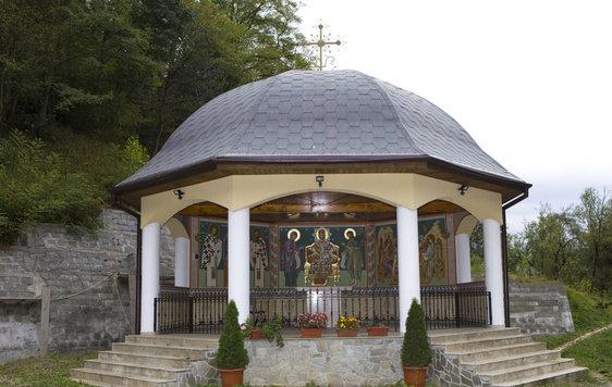 manastirea-piatra-scrisa5