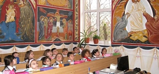 Cererile pentru participarea copiilor la ora de religie se depun până pe 6 martie
