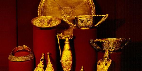 """Pe urmele Tezaurului """"Cloşca cu puii de aur"""" de la Pietroasele"""