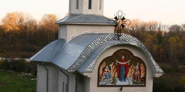 Schitul Haiducilor de la Măineşti, locul în care s-ar fi ascuns Iancu Jianu
