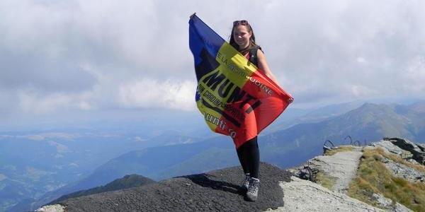 """Crina """"Coco"""" Popescu: Cea mai tânără şi de succes alpinistă din lume"""