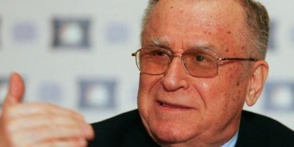 Ion Iliescu, fostul preşedinte al României, împlineşte 85 de ani