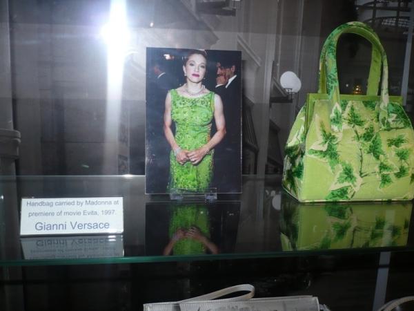 Muzeul-posetelor-10