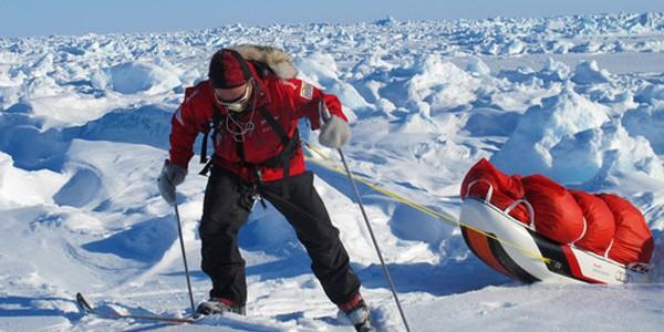 Provocarea celor trei Poli (Sud, Nord şi Everest)