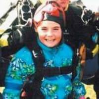 Valentina Mihanciu: Cea mai tânără paraşutistă în tandem
