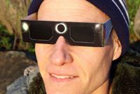 Nu priviţi direct către Soare în timpul eclipsei!