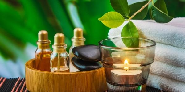 Uleiurile esenţiale, sursă de frumuseţe şi sănătate pentru întregul organism