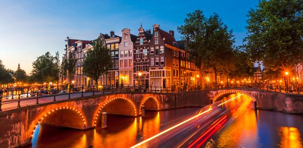 Amsterdam, unul dintre oraşele turistice ale Europei