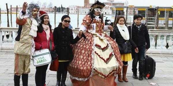 """Leonard """"Casanova"""" şi Maricica """"Principesa"""" au cucerit Veneţia"""