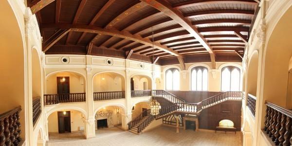 Castelul Karolyi: locul unde legendele se împletesc cu istoria