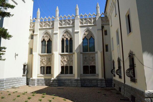 Castelul-Karoly-05