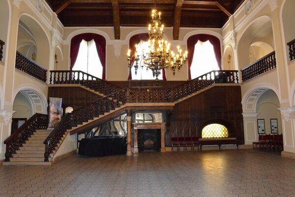 Castelul-Karoly-06