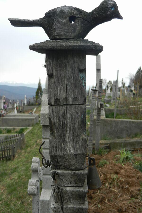 stalpi-funerari-02
