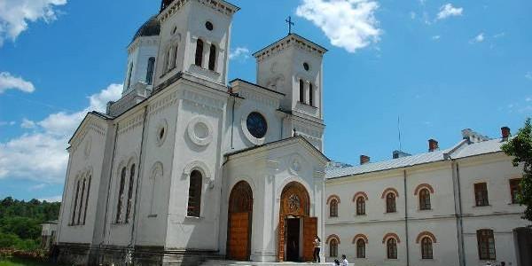 VÂLCEA: Mănăstirea Bistriţa