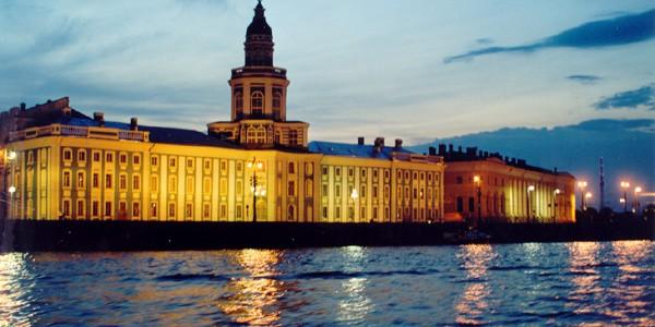 Nopţi Albe la Sankt Petersburg