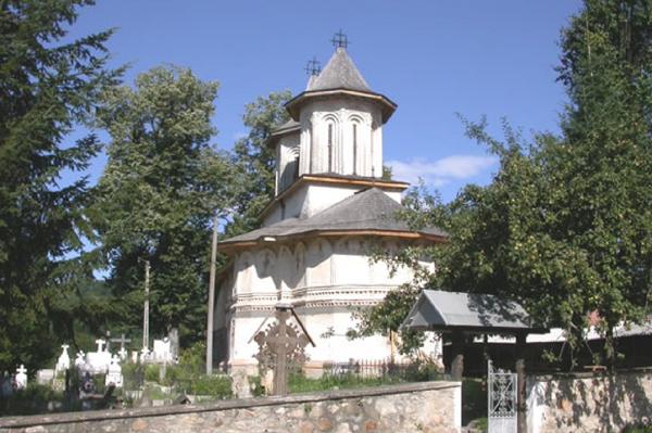 Biserica-Ursani-01