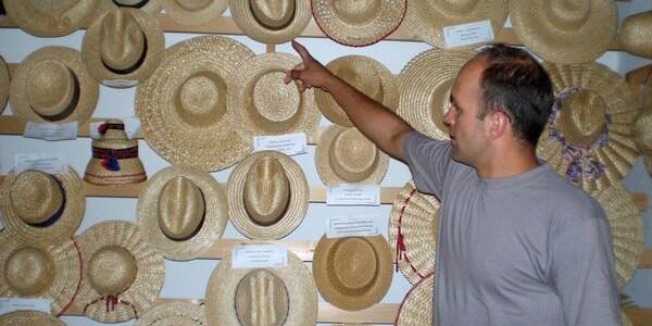 Muzeul Pălăriilor de Paie