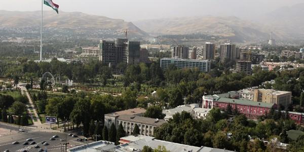 Duşanbe (Tadjikistan): mirii vizitează monumentul lui Ismail Samani