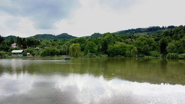 Lacul-Invartita