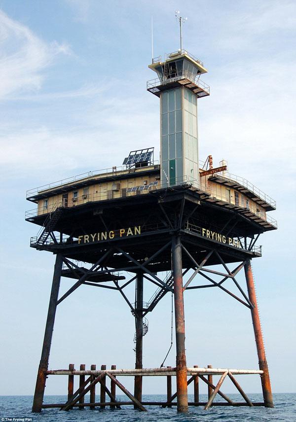 Frying Pan Tower-04